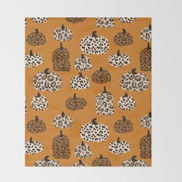 Leopard print pumpkins pattern - leopard pumpkins, halloween, fall, decor, fashion Throw Blanket