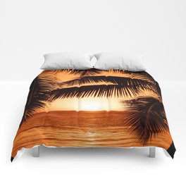 Perfect Palm Sunset (Color) Comforters