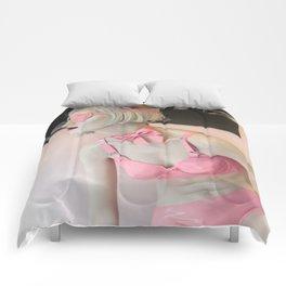Mannequin 33 Comforters