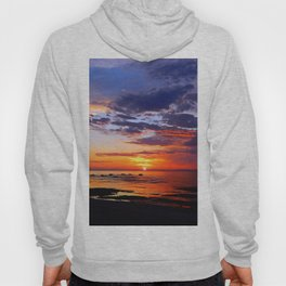 Between Sky and Earth Hoody