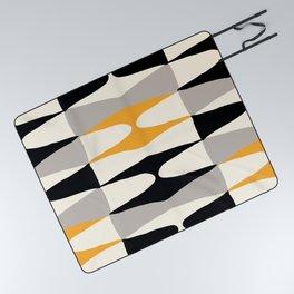 Zaha Bee Picnic Blanket