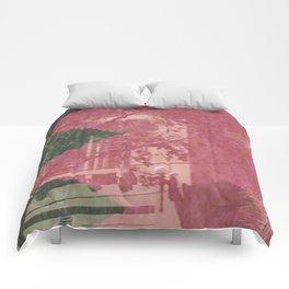 feeling pink on chapel street Comforters