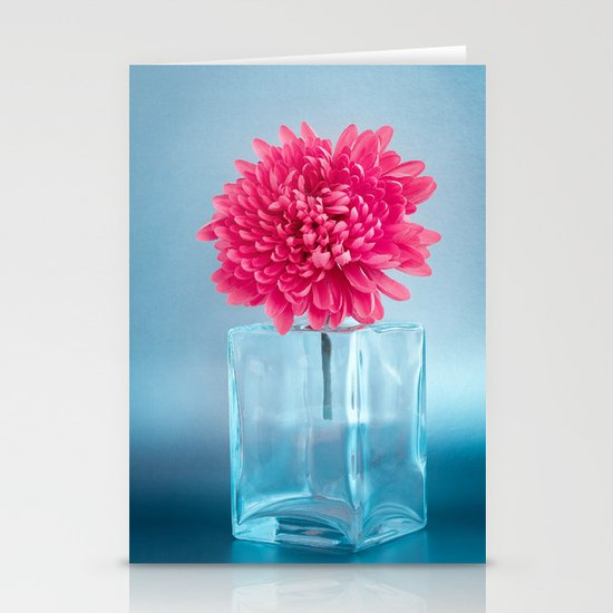 LE NOBLE - Pink flower in blue glass vase Stationery Cards