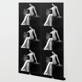Ziegfeld Follies Girl poised Wallpaper