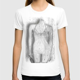 Even plastic can be lonely  ♥ T-shirt