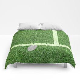 """""""IN"""" – Hawk-Eye - green Comforters"""