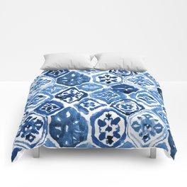 Arabesque tile art Comforters