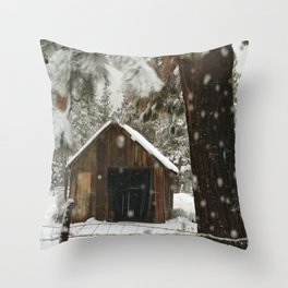 SNOWFLAKES Barn country snowing in Sisters Oregon Throw Pillow