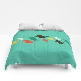 Birds are flying Comforters