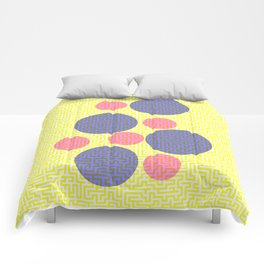 A-mazed circles Comforters