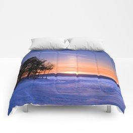 Сolumn of light and contrails Comforters