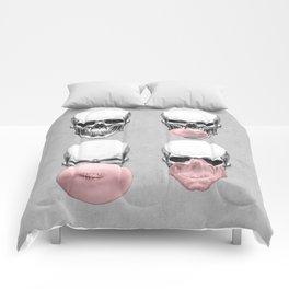 Skulls chewing bubblegum Comforters