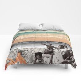 Sur la plage en couleur Comforters