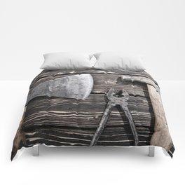 Old rusty tools Comforters