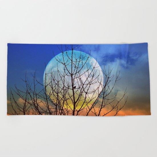 The moonwatcher Beach Towel