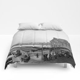 Chicago and North Western Railway Station, Chicago, Illinois Comforters