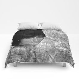 fashion doll - black-white Comforters