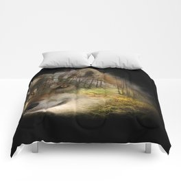 Wolf in the Forrest Comforters