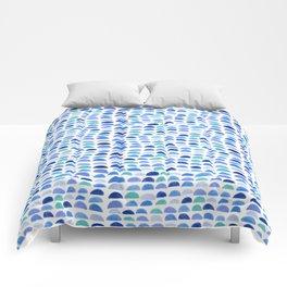 Blue scalloped pattern Comforters