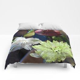Trois Fleurs Comforters