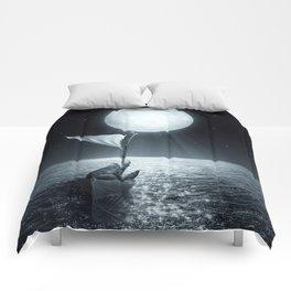 Set Adrift II Comforters