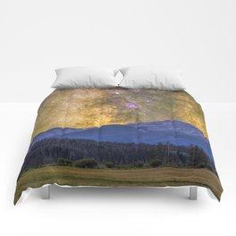 Milky way over Beyer peak Comforters