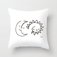 moom and snuh Throw Pillow
