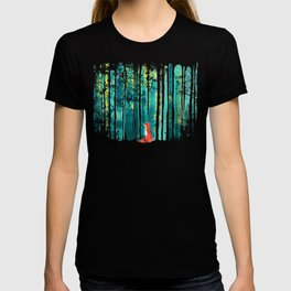 Fox in quiet forest T-shirt
