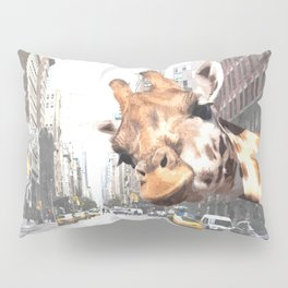 Selfie Giraffe in New York Pillow Sham