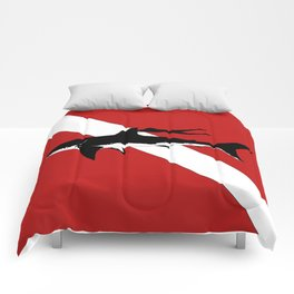 DIVER DOWN - great white shark dive Comforters