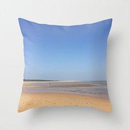 Low tide, Beach in Oleron Throw Pillow