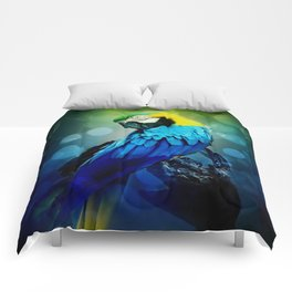 Macaw on branch Comforters