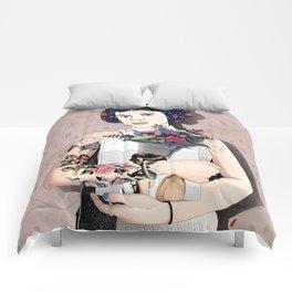 Woman Comforters