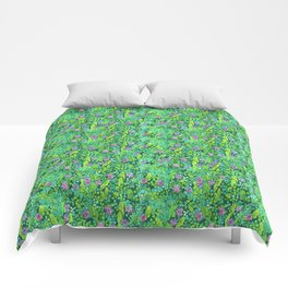 Pink Clover Flowers on Green Field, Floral Pattern Comforters