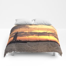 Key West sailing into Sunset Comforters