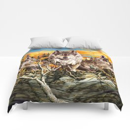 Pack of wolvesrunning Comforters