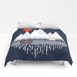 Chill of Winter - Geometric mountains polar bear with sun and melting Comforters