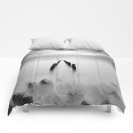 Minimalist Comforters