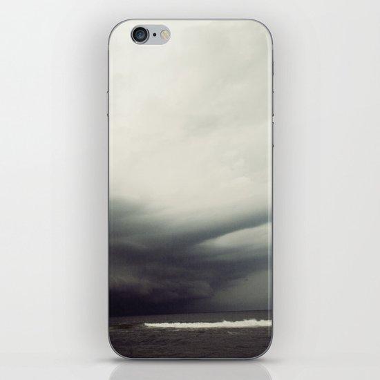storm2 iPhone & iPod Skin