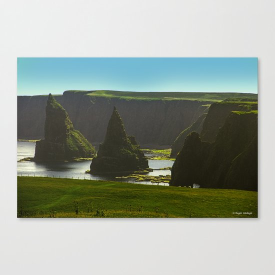 Sea Stacks at Duncansby Head Canvas Print