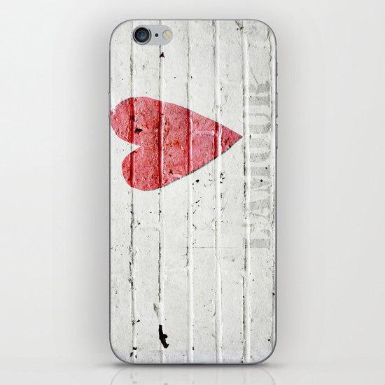 L'amour iPhone & iPod Skin