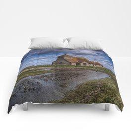 St Thomas Becket Fairfield Comforters