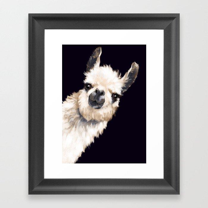 Sneaky Llama in Black Gerahmter Kunstdruck