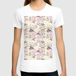 Vintage & Shabby Chic - Lush pastel roses and hummingbird pattern T-shirt