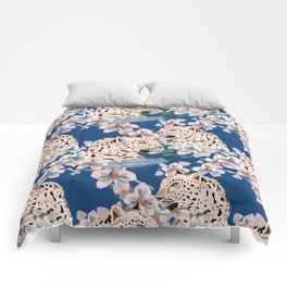 leopard in the jungle Comforters