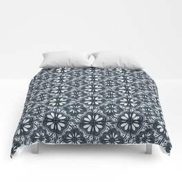 Continuous Flowers Pattern Tessellation in Blue Comforters