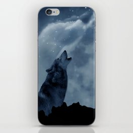 Wolf howling at full moon iPhone Skin