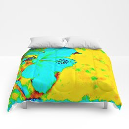 Tropical Vibrance in Hibiscus Comforters