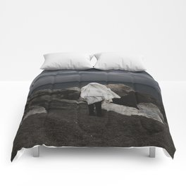 The storm chaser Comforters