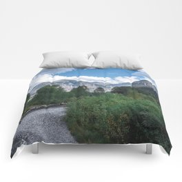 River & Mountains Comforters